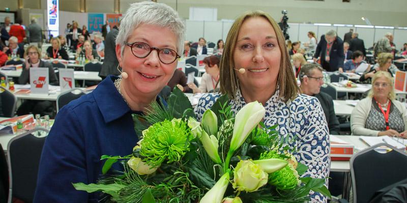 Sabine Graf (l.) und Anja Weber (r.) stellen ab sofort den geschäftsführenden Vorstand des DGB NRW