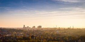 Essen ist eine der hoch verschuldeten Kommunen im Ruhrgebiet: DGB fordert eine Entschuldung
