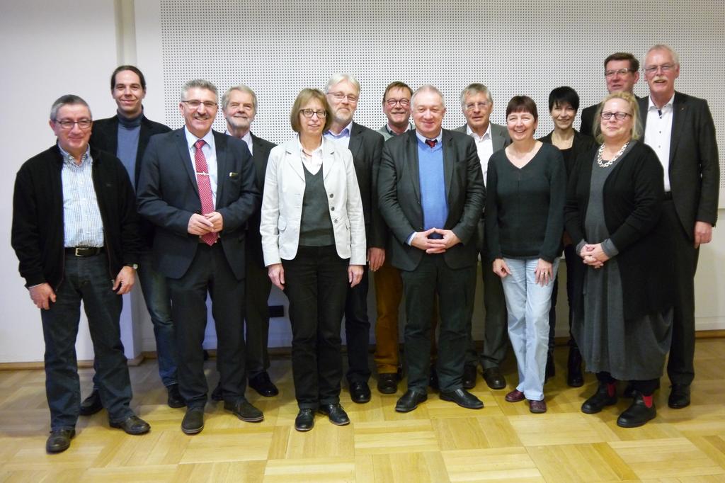 Der Beirat von NRW 2020 (v.l.n.r.): Jürgen Hoffmann (EVG NRW), Prof. Tobias Kronenberg (Hochschule Bochum), Arnold Plickert (GdP NRW), Prof. Peter Hennicke (Wuppertal Institut für Kilma, Umwelt, Energie), Dorothea Schäfer (GEW NRW), Wolfgang Nettelstroth (IG Metall NRW), Dieter Schormann (NGG NRW), Prof. Gustav Horn (WSI), Prof. Gerhard Bosch (Institut Arbeit und Qualifikation), Gabriele Schmidt (ver.di NRW), Judith Terstriep (Institut Arbeit und Technik), Dr. Edelgard Kutzner (Sozialforschungsstelle TU Dortmund), Frank Löllgen (IG BCE), Andreas Meyer-Lauber (DGB NRW)