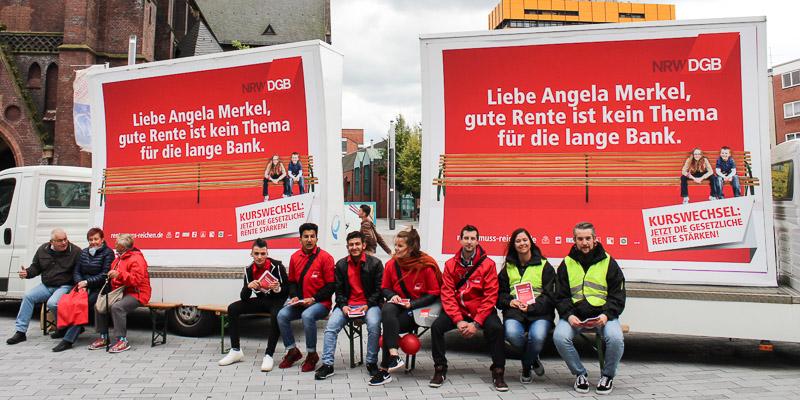 Gewerkschafterinnen und Gewerkschafter fordern von Angela Merkel endlich gerechte Rentenpolitik – hier in Gelsenkirchen