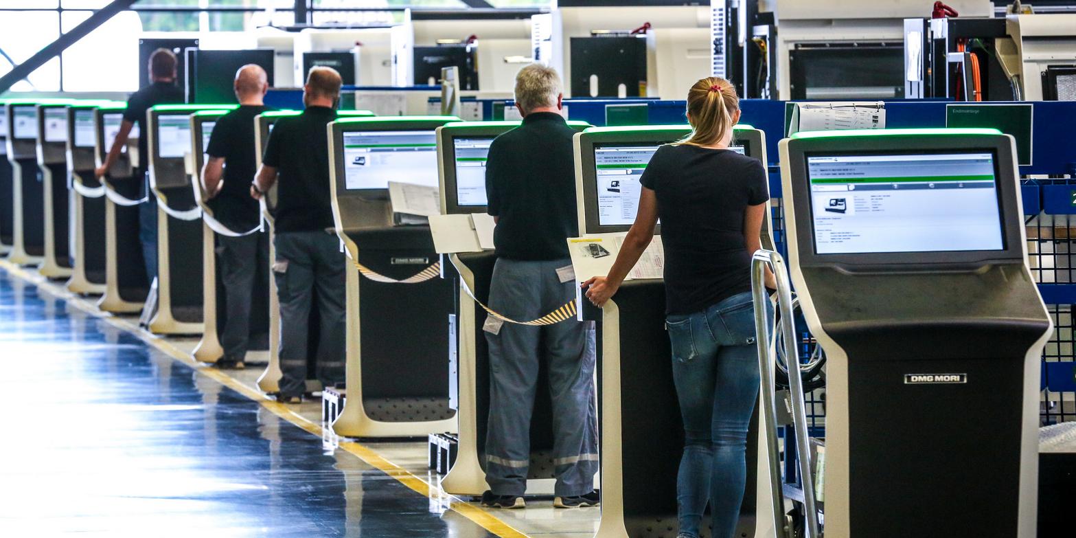 Digitalisierter Arbeitsplatz: Menschen an Computern