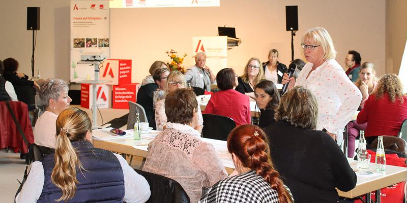 Lebhafte Diskussionen beim Tag für Betriebsrätinnen, Personalrätinnen und Interessenvertreterinnen in Recklinghausen