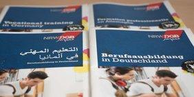 Infomaterial Berufsausbildung in Deutschland in vier Sprachen