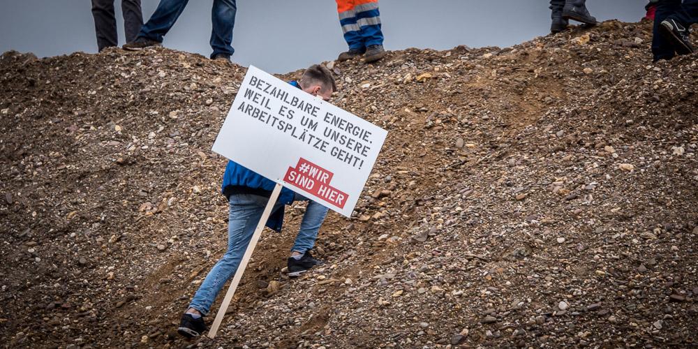 """Demonstrant im Rheinischen Braunkohle-Revier: """"Bezahlbare Energie, weil es um unsere Arbeitsplätze geht"""""""