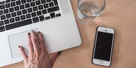 Wen wählen: Apps und Websites helfen