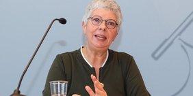 """Dr. Sabine Grad auf der Landespressekonferenz """"Wir wollen wohnen!"""""""