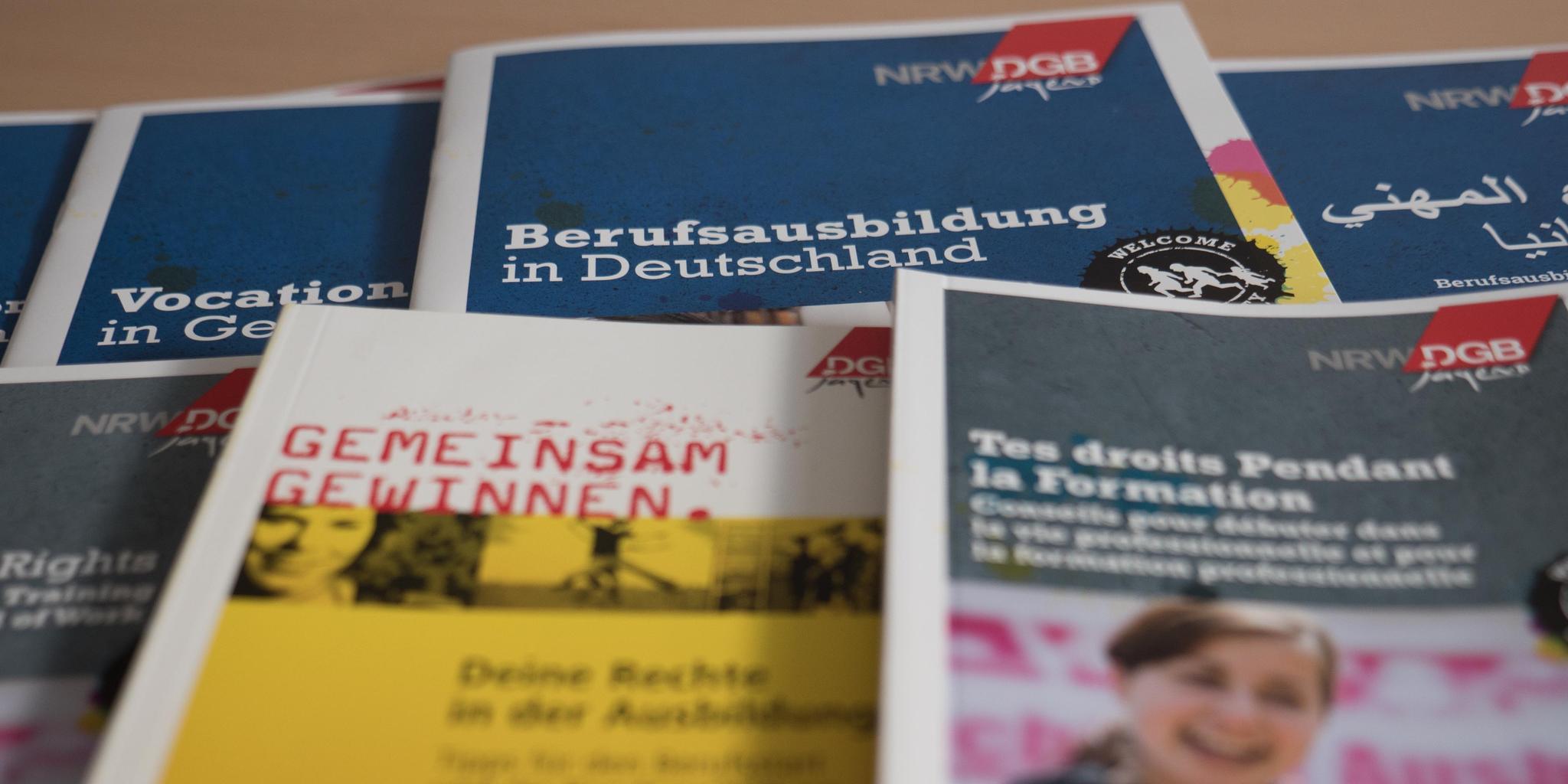Informationen zum Thema Ausbildung in vier Sprachen