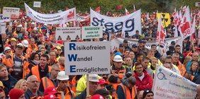 Demonstrierende senden klares Signal an Kohlekommission aus dem Rheinischen Revier