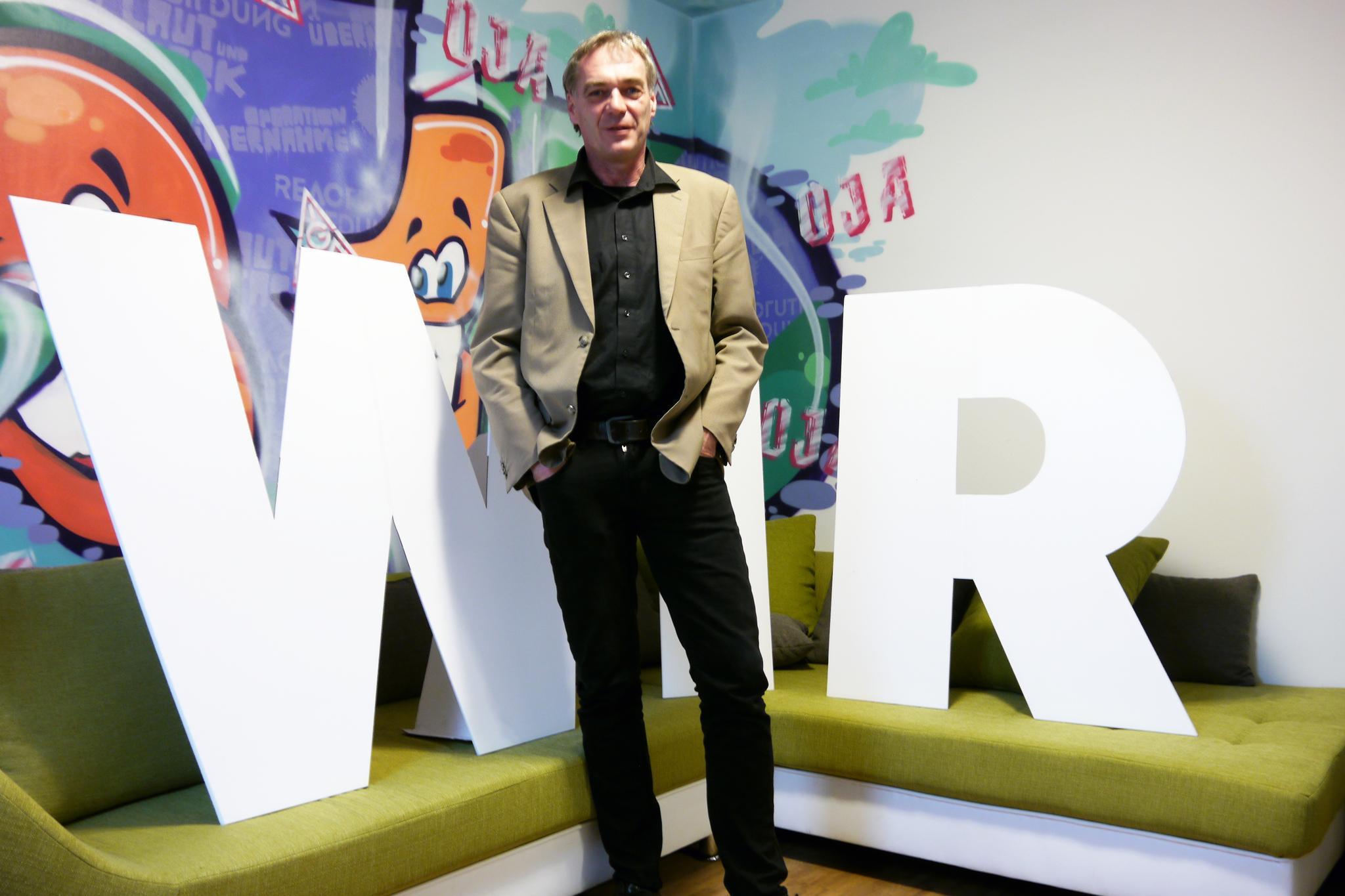 Ralf Köpke, ehrenamtlicher Vorsitzender des DGB-Stadtverbands Krefeld, im Büro der IG Metall Krefeld.