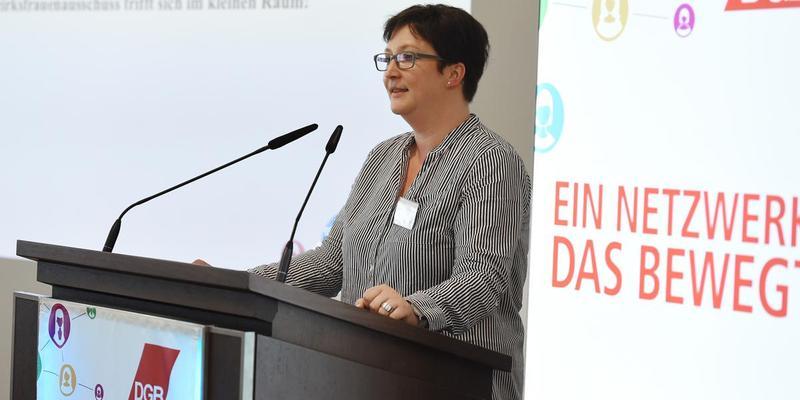 Stefanie Baranski-Müller, Bezirksfrauensekretärin, auf der Bezirksfrauenkonferenz in Duisburg