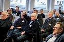 Der DGB und seine Mitgliedsgewerkschaften fordern einen Kurswechsel in der Rentenpolitik. Ihre Vorstellungen hierzu haben sie mit Vertreterinnen und Vertretern aus Politk und Wissenschaft diskutiert.