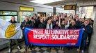 Gemeinsam für mehr Respekt und Solidarität: Ministerin Hannelore Kraft mit Vertretern der Gewerkschaften und Auszubildenden der Rheinbahn AG