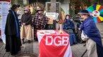 In Detmold gab's zum 8. März 2018 Aktionen in der Fußgängerzone, die an 100 Jahre Frauenwahlrecht erinnern.