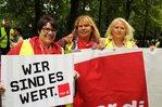 Demonstranten fordern allgemeinverbindliche Tarife im Handel