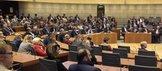 Der Plenarsaal ist zur Feierstunde zu 100 Jahren Tarifautonomie voll besetzt.