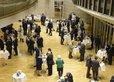 Die Feierstunde zu 100 Jahren Tarifpartnerschaft endet mit einem Imbiss im Landtag.