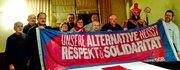 Auch der Nikolaus steht für Respekt und Solidarität ein, hier beim Besuch der Vorstandssitzung des DGB-Kreisverbandes Hochsauerlandkreis-Bearbeitet