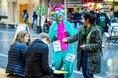 Mit einem Monster-Kostüm symbolisiert diese Gewerkschafterin an der Uni Bielefeld typische Ängste im Studium