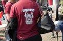 """""""Esst mehr Nazis!"""", fordert diese junge Metallerin in Bochum."""
